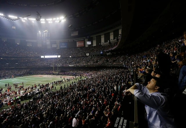 The Best And Most Surreal Photographs From The Power Outage At The Superdome