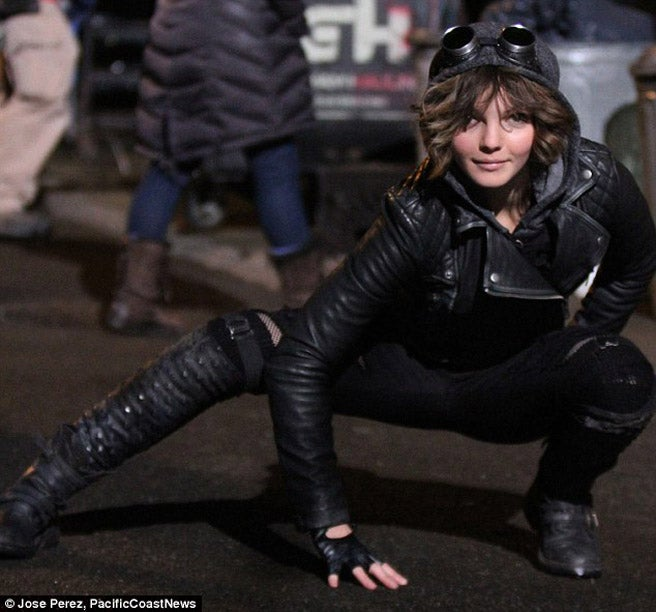 > New Gotham Photos of Young Catwoman, Bruce Wayne, Gordon & Harvey Bullock - Photo posted in The TV and Movie Spot | Sign in and leave a comment below!