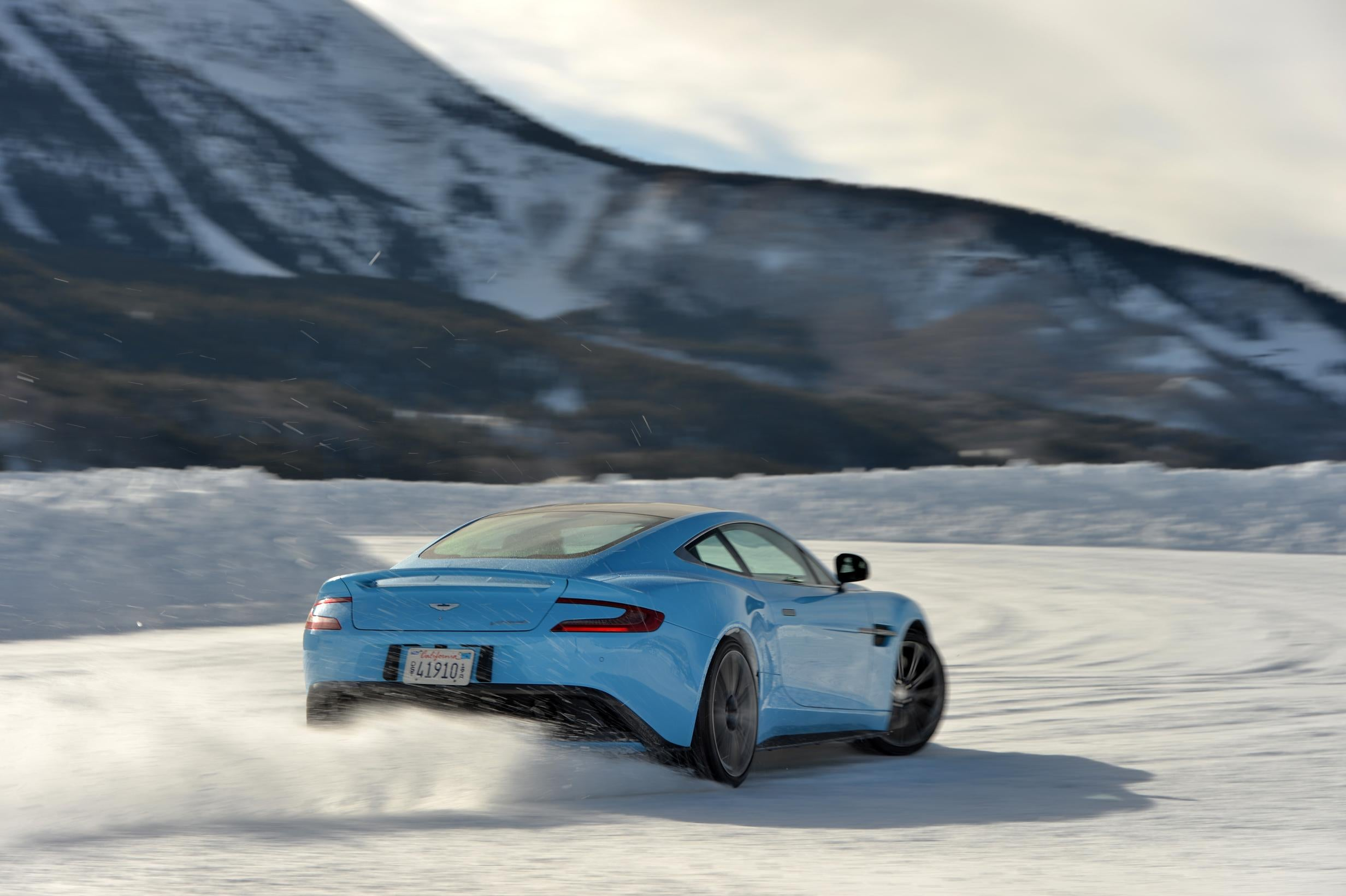 Aston martin escuela de hielo