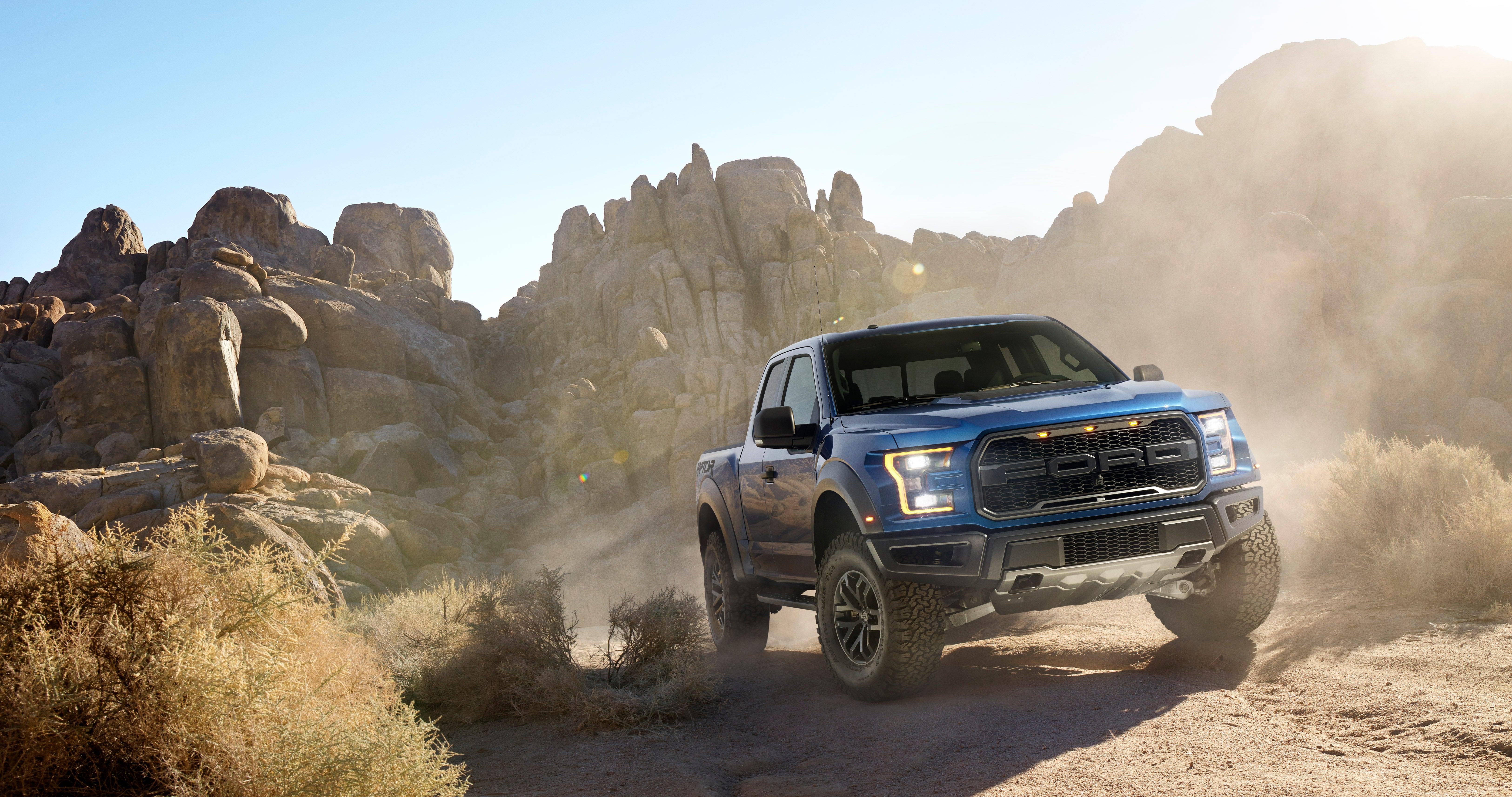 Ford anounces new 2017 f 150 raptor twin turbo v6 500lbs lighter 10 speed camaro6