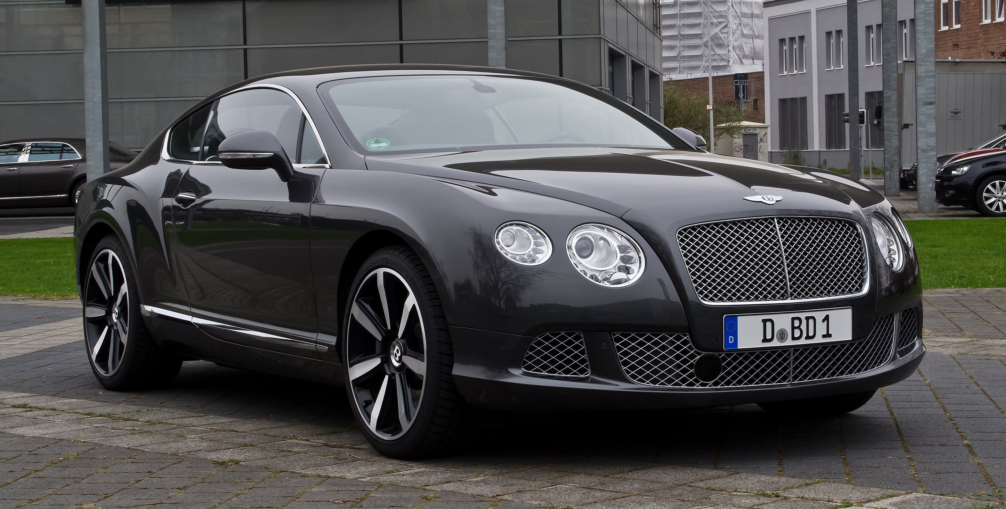 Continental GT car - Color: Black  // Description: amazing classy fast
