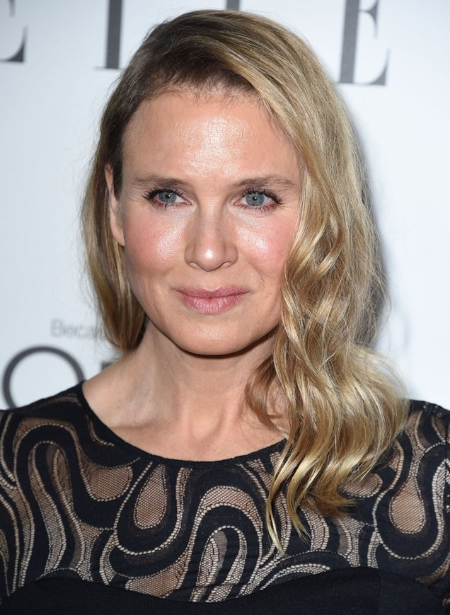 Renée Zellweger earned a  million dollar salary, leaving the net worth at 45 million in 2017