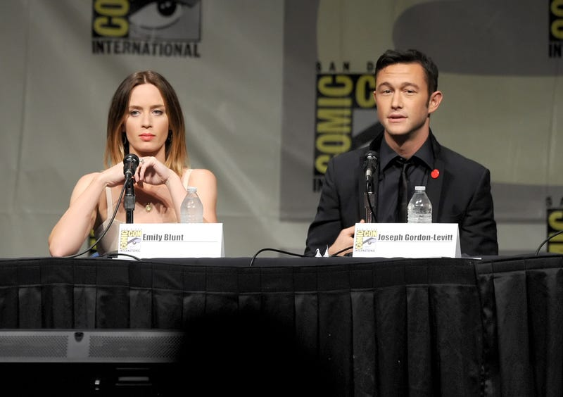 Joseph Gordon-Levitt Explains Controversial 'Most Pretty Girls Aren't Funny' Comment.