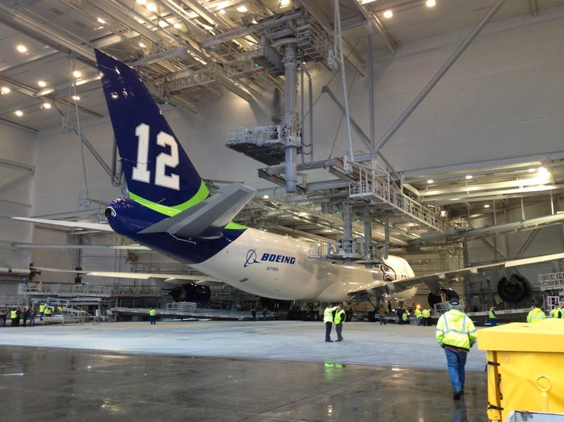 Boeing Supports the Seahawks with Special Livery