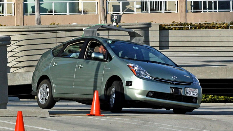 Google wins key patent for driverless car