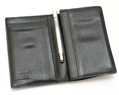 The Tiny Ohto Petit-B Pen Fits Comfortably in Your Pocket