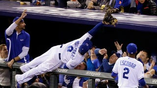Royals Fans Didn't Let Mike Moustakas Hit The Ground