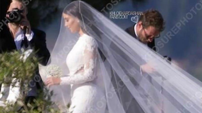 Here's Kim Kardashian's Wedding Dress!