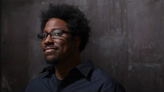 Waitress Assumes Kamau Bell Is Begging From White Wife Because Racism