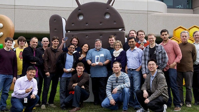 Steve Wozniak Grabbed His Shiny New Galaxy Nexus From Google HQ