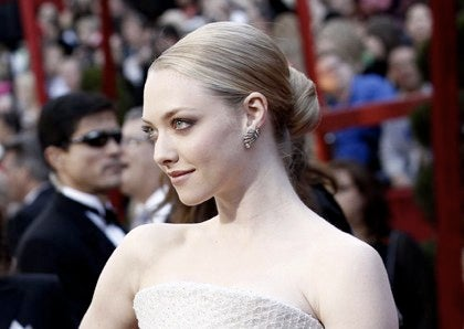 Amanda Seyfried To Get Her Red Hood Symbolically Dirtied Up By A Werewolf