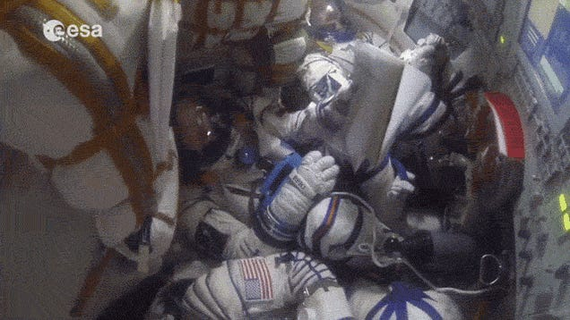 What The Soyuz Reentry Rollercoaster Looks Like From The Inside