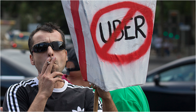 La redonda campaña de marketing de Uber: cabrear a los taxistas