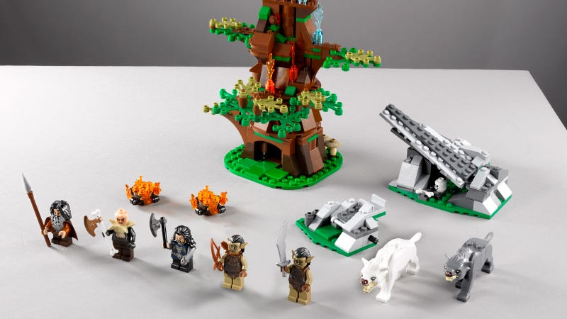 New Lego Hobbit Sets Reveal Movie Precious Seeeeeecrets