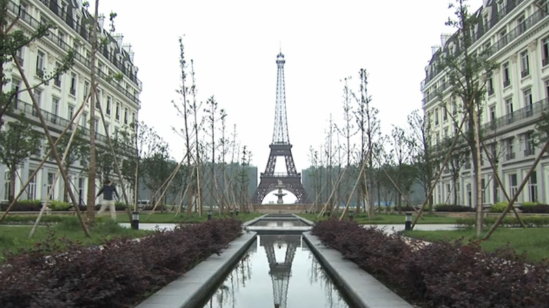 China's Replica of Paris Is Now an Eerily Depressing Ghost Town