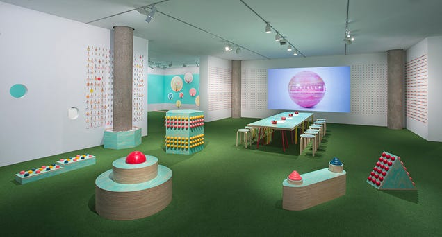 This Museum Gave Kids Crayon Helmets And Let Them Go Wild