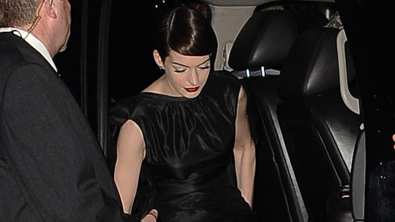 Anne Hathaway Shows Her Vagina to Distract from Her Hideous Outfit