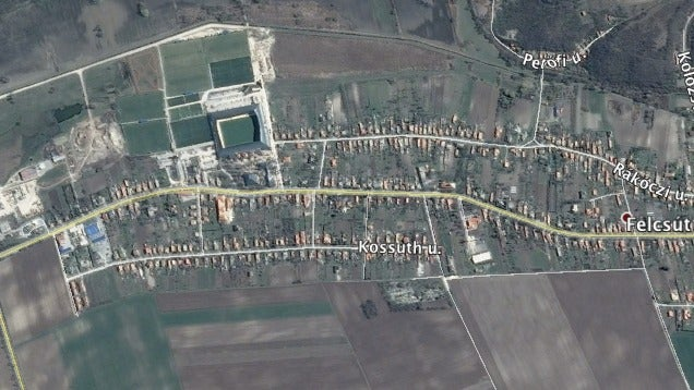 Az űrből is látszik a felcsúti stadion