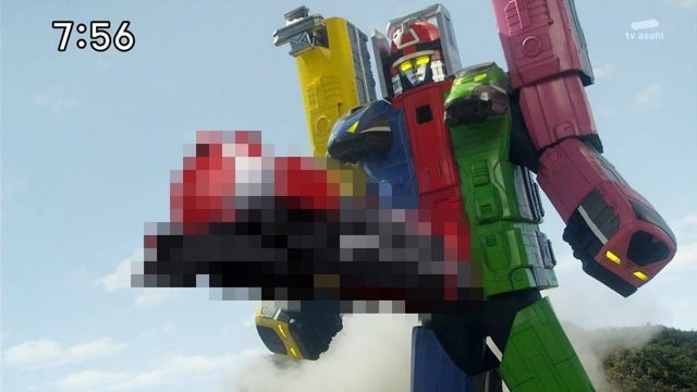 The Biggest Boner You'll Ever See on a Power Rangers Robot