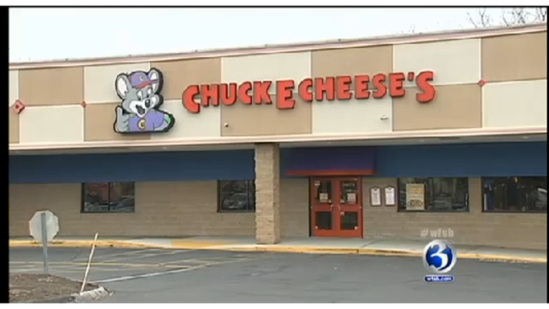 Woman Waves Around Loaded Gun at Chuck E. Cheese