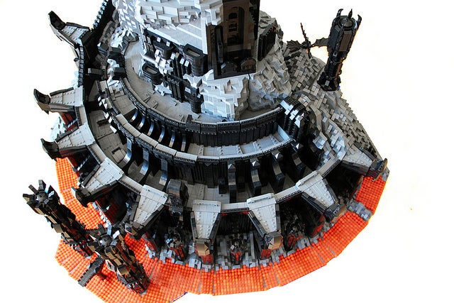 LEGO Mordor cannot be reached with plastic eagles