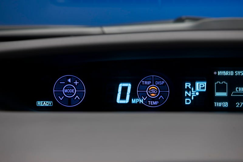 2010 Toyota Prius Touch Tracer Display Makes Buttons Intuitive