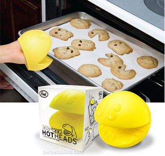 Pac-Man Oven Mitt: The Precursor to Any Good Chomping