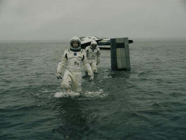 How Interstellar's Robots Were Made With Hardly Any CGI