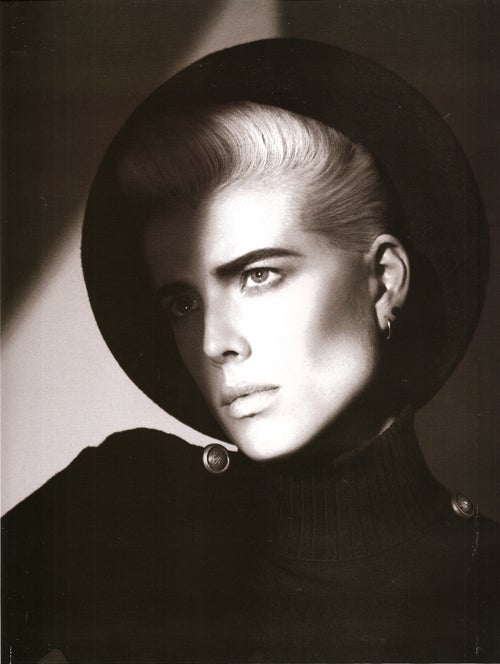 Gender Bender: Agyness Deyn Mans Up For French Vogue