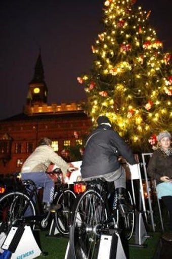 This City's Christmas Tree Lights Will Go Off Unless 15 People Ride Bikes