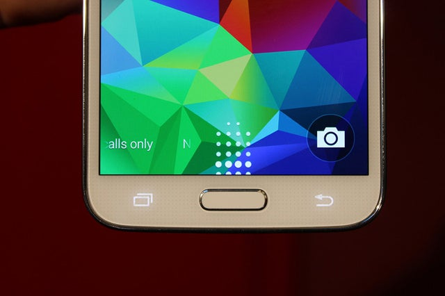 These Are Supposedly Leaked Photos of the Samsung Galaxy S5