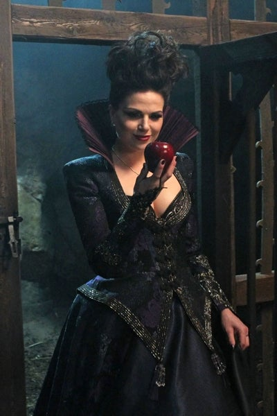 Once Upon A Time Episode 1.21 Apple Red as Blood Gallery