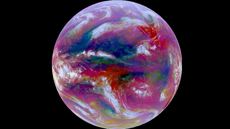 Is Earth's infrared radiation a potential energy source?