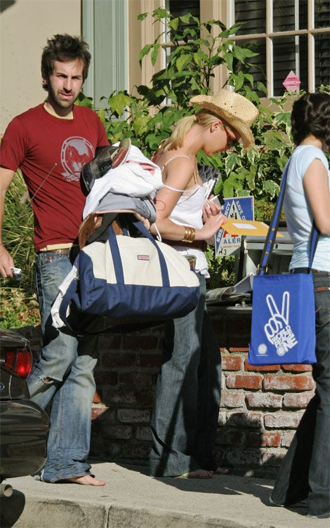 Katherine Heigl's Fiance Lets Her Do The Heavy Lifting