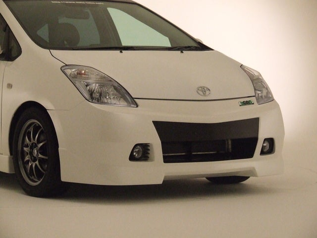 AutoLabo Creates Aero Package For Toyota Prius