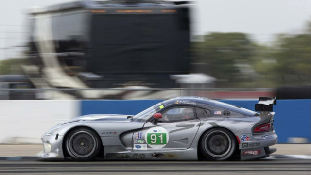 Why Is No One Buying The SRT Viper?
