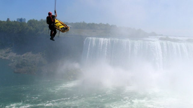 'Lucky' Man Who Survived Unprotected Niagara Falls Jump was Likely Hoping for Different Outcome