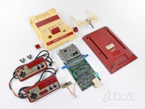 The Nintendo Famicom All Pulled Apart
