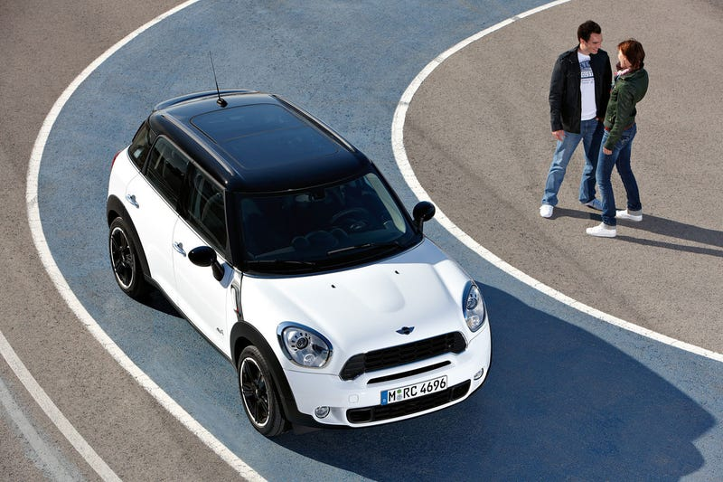 Mini Cooper Countryman S: Press Photos