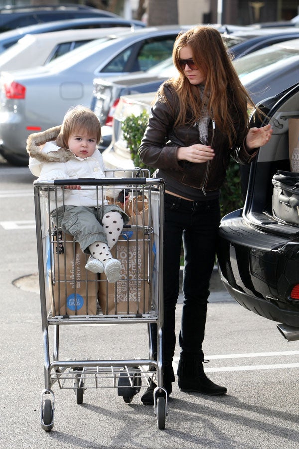 Isla Fisher's Daughter: She's What's For Dinner