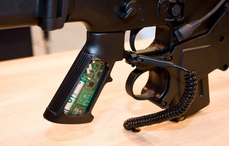 Bitch-Busting, Ammo-Counting Aliens Gun Is Real, Scary