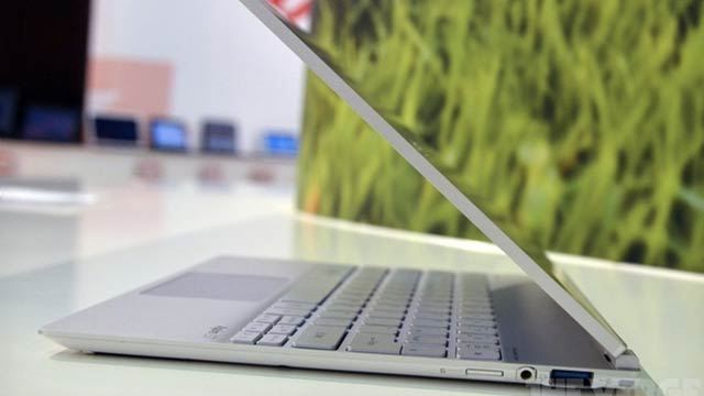 Acer's Got an Awesome-Looking New 11-inch Touchscreen Ultrabook