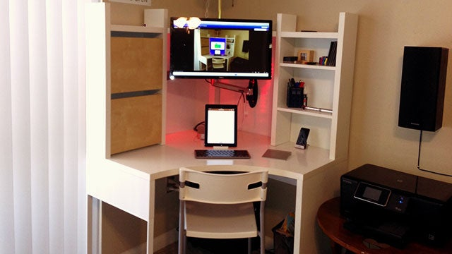Sit or Stand: The Multi-Position Corner Workspace