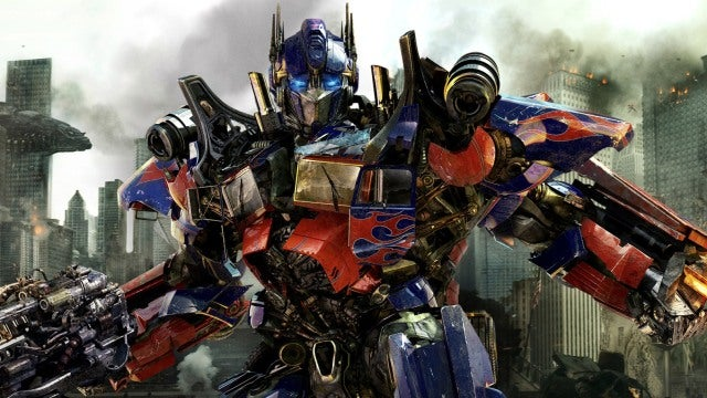 We saw 15 minutes of 3D Transformers footage with Michael Bay and James Cameron