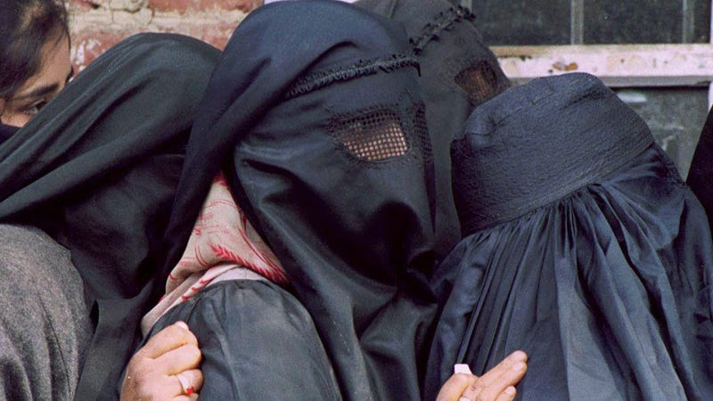 Al-Qaeda Groups Vow to 'Sprinkle Acid' on Uncovered Women