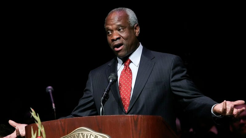 Clarence Thomas Ended His 7-Year Courtroom Silence With a Stupid Joke