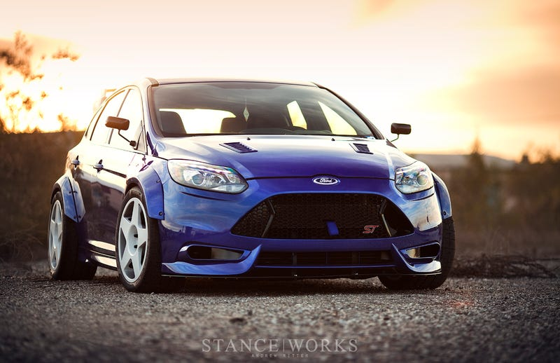 Nice big pictures of this on Stanceworks.