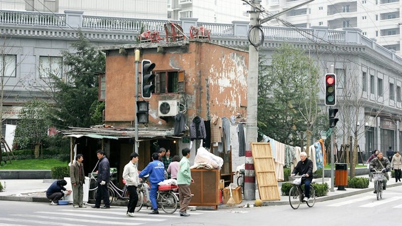 """Unbelievable """"nail houses"""" around the world"""