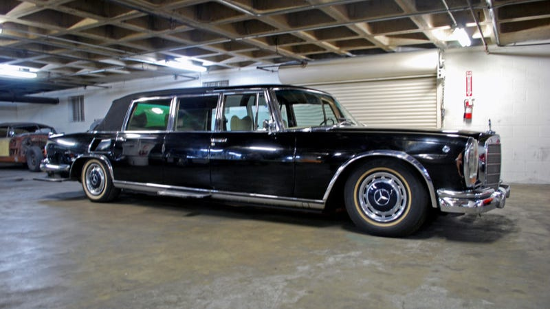 saddam hussein 39 s mercedes benz 600 landaulet is amazing and spooky. Black Bedroom Furniture Sets. Home Design Ideas
