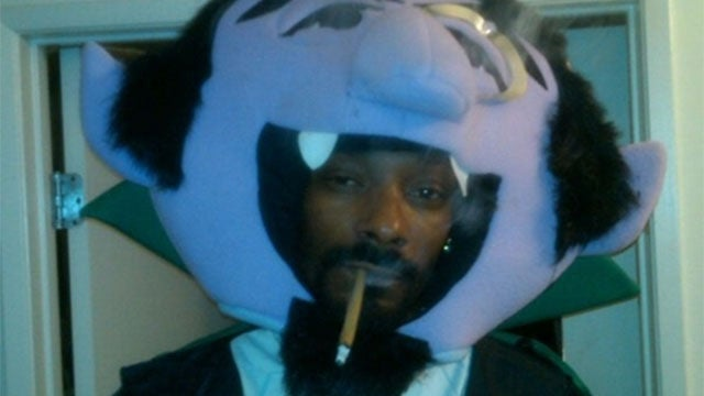 Want To Play FIFA Against Snoop? Sure Thing, But He Prefers Madden